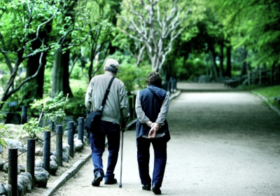 老老介護が引き起こす孤独死|孤独死とは